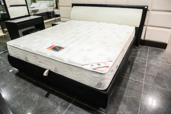 King Bed excluding Mattress